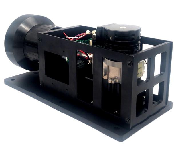 InSb制冷型热成像模组 MIC19102